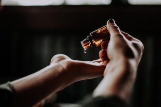 5 Truths Everyone Should Know About Hair Growth Oils